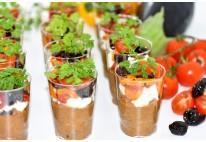 Verrines caviar d'aubergine, brisure de Féta, poivrons et olives- 20 pcs